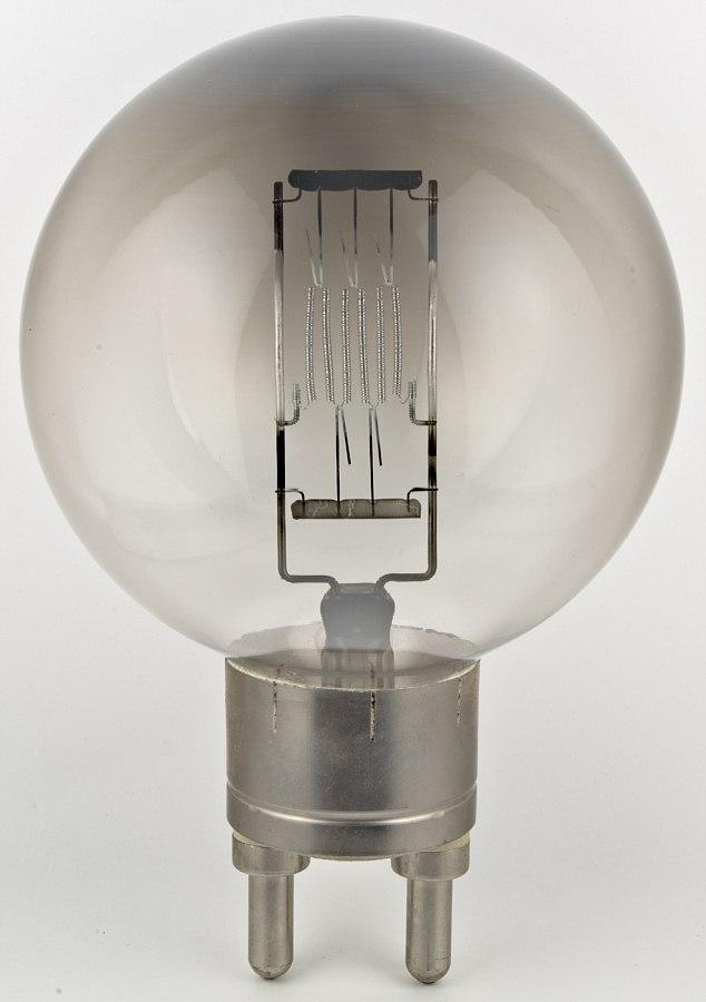 philips 13177p 220 v 2000 w television film studio lamp. Black Bedroom Furniture Sets. Home Design Ideas