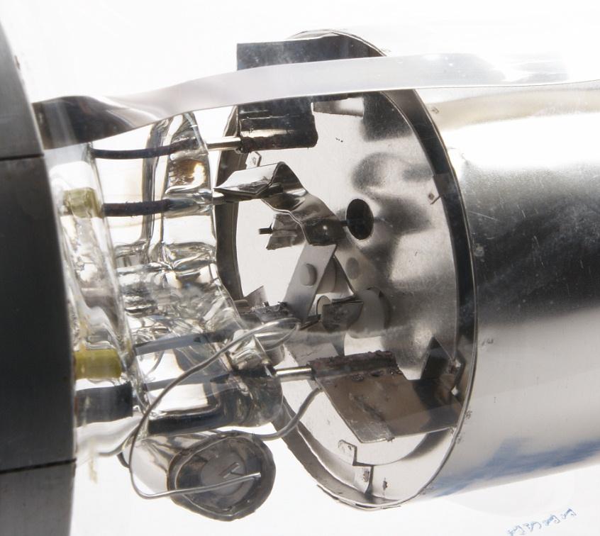Cutting Torch further Triode Gi 7bgi 70b Qro Parts moreover Thyratrons besides Search furthermore Vacuum Tube Tesla Coil Vttc Using Russian Gi 30. on hydrogen thyratron tube pics